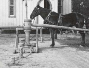 Capstan and horse used to pull the Church along, 1891.