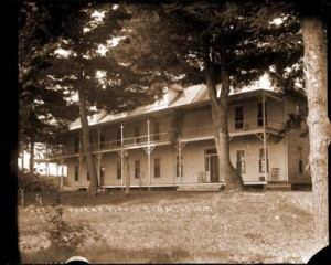 "The Old Mission Inn, once known as Porter House, where Bates sat ""under the great maples"". Little has changed to the exterior of the Inn in the century since she rested there. Photograph courtesy of the History Center of Traverse City."