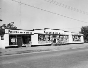 Fisher's Market, ca. 1947. Image courtesy of the Traverse Area District Library Local History Collection, http://grandtraverse.pastperfectonline.com/photo/F6F75CD6-2FC4-425A-863F-874283123938