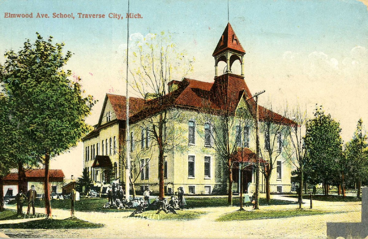 Elmwood Avenue School, Traverse City, photographic postcard. Image courtesy  of Traverse Area District Library.